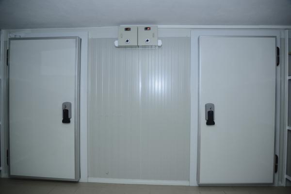 Inchiriez camera frigorifica de refrigerare